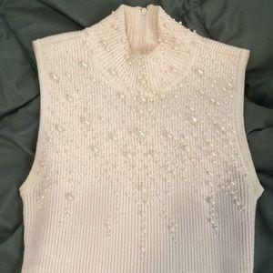 $10 FLASH SALE Pink pearl sweater tank